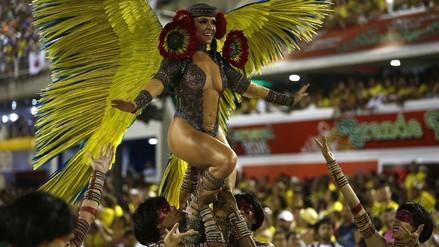 Comenzó la gran fiesta en el Sambódromo de Río de Janeiro