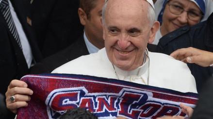 Twitter: papa Francisco, fiel hincha de San Lorenzo, se negó a bendecir camiseta de Boca Juniors