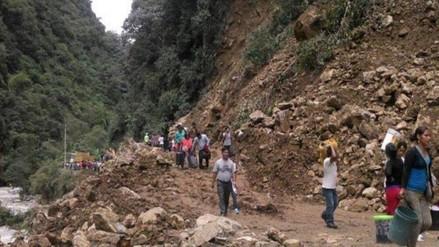 Deslizamientos de piedra y lodo obstruyen vía Paucartambo – Carhuamayo - RPP Noticias