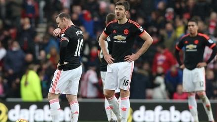 Manchester United cayó 2-1 ante Sunderland y Van Gaal podría ser cesado