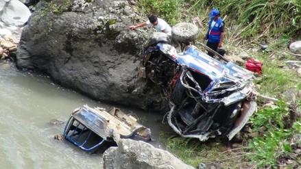Trágico San Valentín: pareja muere tras caer a un abismo de 300 metros