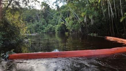 Autoridades recorren comunidades afectadas por derrame de petróleo