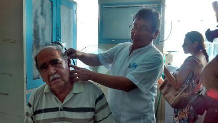 Lambayeque: entregan 100 audífonos a pacientes con discapacidad auditiva