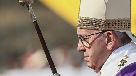 Francisco invoca a religiosos a salir de las sacristías