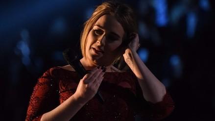 Premios Grammy: Adele y su desafinada presentación en la gala