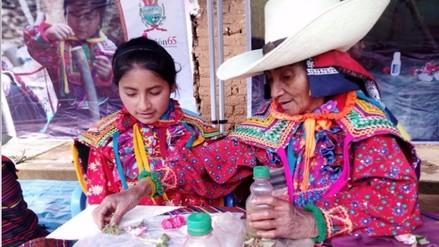 Encuentro de saberes productivos con adultos mayores de Incahuasi