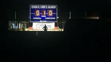 Copa Libertadores: partido entre Cobresal y Corinthians se paralizó por apagón