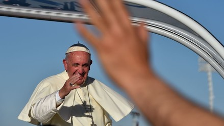 Francisco partió hacia Roma tras una intensa y emotiva visita a México