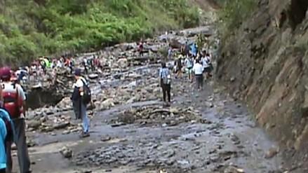 Nuevo huaico obstruye vía que conecta Vilcabamba con Quillabamba