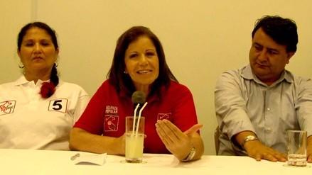 Lourdes Flores dice que Nadine va demostrando quién es su candidato