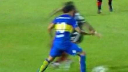 Boca Juniors vs. Newell's Old Boys: Carlos Tévez le rompió la cintura a Luis Advíncula