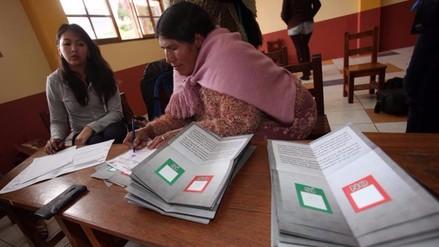 El No a la reelección de Evo Morales ganó por 51 % en Bolivia, según sondeos