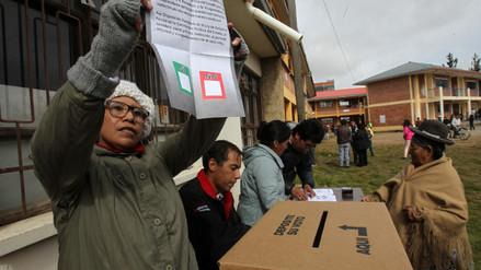 Resultado de imagen para EL SÍ SE IMPONE EN 8 DE LOS 14 REFERENDOS REALIZADOS EN BOLIVIA