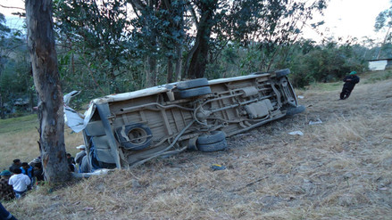 Despiste y vuelco de camioneta dejó dos muertos y dos heridos en Chota