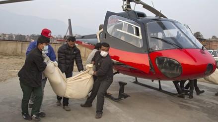 Nepal: recuperan los 23 cadáveres del avión siniestrado