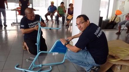 Entregan sillas de ruedas a personas con discapacidad de extrema pobreza