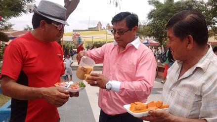 Reparten 3 mil litros de chicha y mil platos de cebiche en Carnaval de Pacora