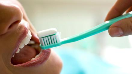 Tener una mala higiene bucal también perjudica al cerebro