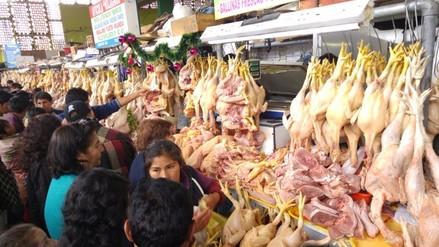 Huancayo: precio del pollo se incrementa a nueve soles en mercados
