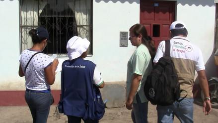 Realizan abatización de viviendas para controlar brote de dengue en Pátapo