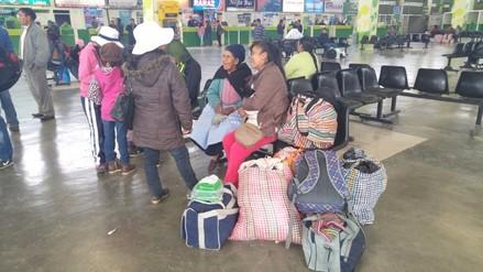 Pasajeros varados en terminal solicitan intervención del Ministerio de Trabajo