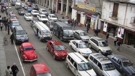 Grifos elevan precios de combustibles por bloqueo de Carretera Central