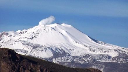 Continuarán los sismos en Caylloma por volcán Sabancaya