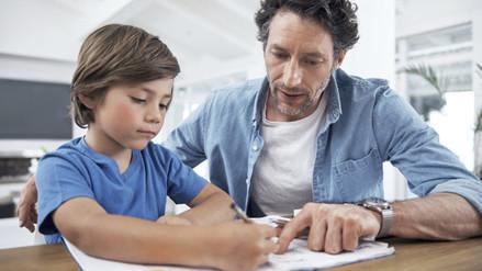 Las tareas escolares no deben tomar más de una hora, dice experta