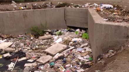Instan a pobladores  de Chiclayo a no arrojar basura cerca a drenes