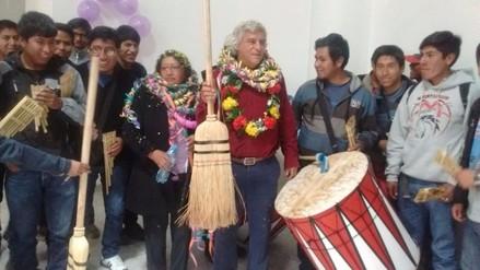 Fernando Olivera simuló barrer la corrupción de municipalidad de Juliaca
