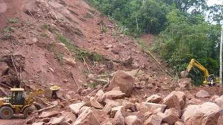 Dos militares desaparecidos tras deslizamiento de cerro en el Vraem