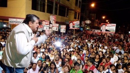 Alan García realiza actividades proselitistas en ciudad de Ica