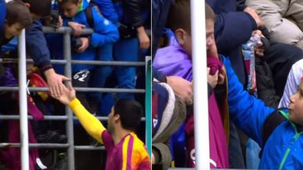 YouTube: Luis Suárez y un gesto que desató el llanto de niño en previa del Barcelona-Eibar