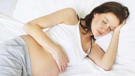 5 razones por las que es mejor dormir del lado izquierdo