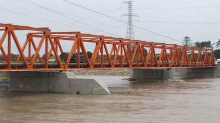 Chiclayo: alcalde supervisa zonas afectadas tras crecida de río Reque