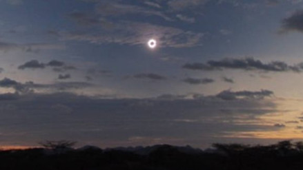 Indonesios podrán ver mañana un eclipse de sol total