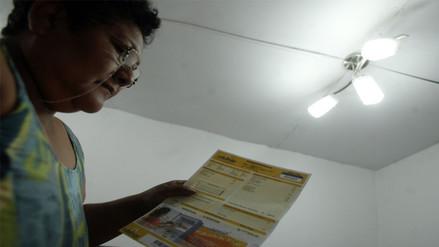 Gobierno propone bajar tarifas eléctricas en provincias desde mayo