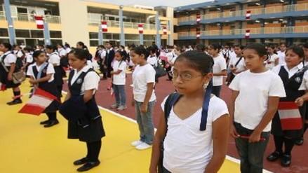 Escolares podrán usar sandalias y ropa ligera por intenso calor