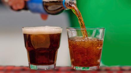Tomar bebidas light en realidad hace subir de peso a largo plazo