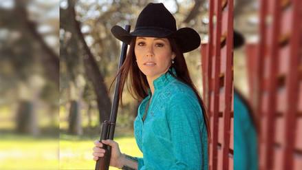 Mujer que promueve el uso de armas fue baleada accidentalmente por su hijo
