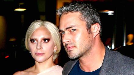 Lady Gaga y Taylor Kinney en románticas vacaciones de invierno