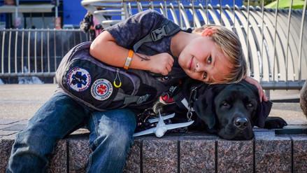 Facebook: un perro le salva la vida a un niño que padece de diabetes