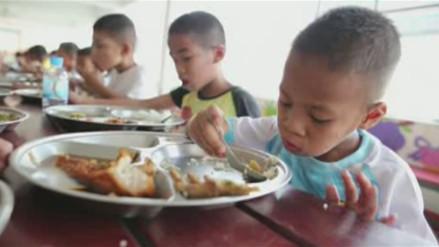 Casa-escuela en Tailandia cura el sida de la estigma social