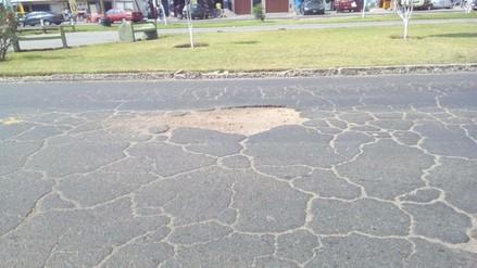 Pistas sin refaccionar perjudican a conductores en Lima