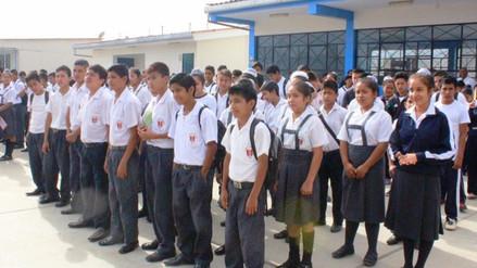 Unos 300 mil escolares iniciarán clases este lunes en Piura