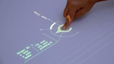 Proyector de Sony convierte cualquier superficie en Tablet