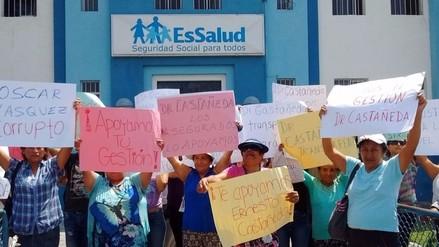 Asegurados rechazan salida del gerente de la Red Asistencial