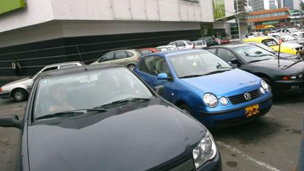 Lima tiene un déficit de al menos 45 mil espacios para estacionar