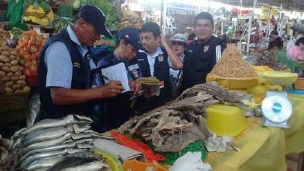 Chiclayo: decomisan 40 kilos de mariscos y pescado bonito en mal estado