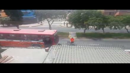 Pueblo Libre: Ciclista reclama por mal manejo de Bus